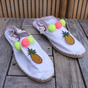 Espadrilles blanches, écusson ananas Taille 39